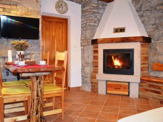 Apartment with fireplace and balcony in Roč, Istria