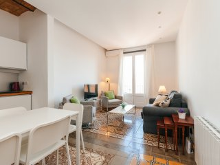 Quiet apartment in the neighborhood of Gracia