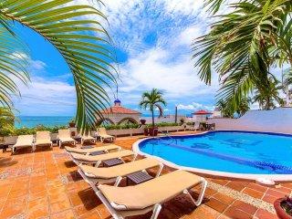 Beachfront Paradise in Puerto Vallarta's Popular Romantic Zone