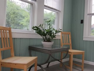 Quiet two-bedroom close to Harvard