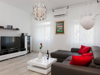 Downtown Modern & Spacious Apartment in Split