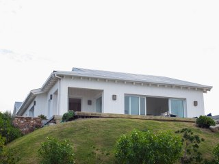 Large and Spacious 4 bedroom house at Jose Ignacio town, amazing ocean views.
