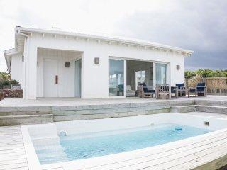 Large and Spacious 4 bedroom house at Jose Ignacio town, amazing ocean views.