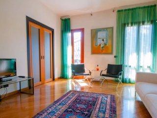 Eclectic 1 Bedroom Apartment in Mediolanum