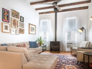 Modern 3 Bedroom Townhouse Apartment in Chelsea