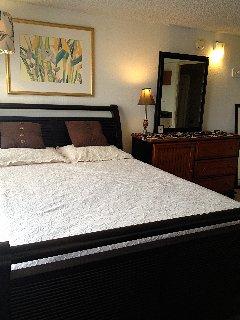 Confortável cama queen size