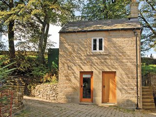 PK647 Cottage in Rushup Edge,