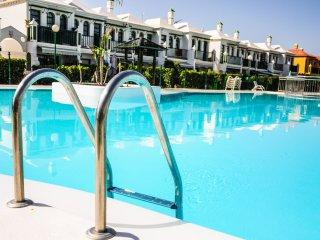 Elegant House, Good localizated. Pool, Playa del Inglés
