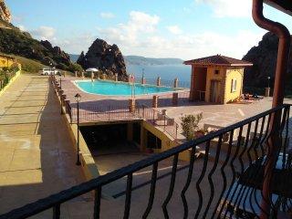 Il Veliero Tanca Piras 6 persone+piscina+wifi+vista mare+garage
