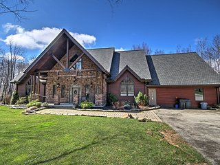 NEW! Luxurious 6BR Somerset Home w/ Acreage!