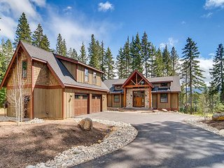 2-for-3 Special, Elk Run Lodge on Hole 4 | Hot Tub,Game Rm | 4.5 BD, Slps14, Cle Elum