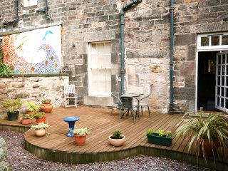 Garden apartment in listed building Edinburgh City Centre