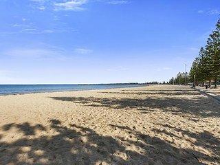 Seaside Beach stay in Melbourne, Altona