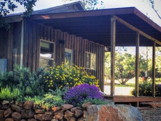 Writer'S Cabin - One of a Kind Retreat, Fueling the Creative Spirit Since 1895, Hidden Valley Lake