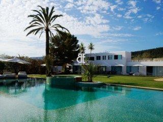 VILLA SA CALETA, Ibiza