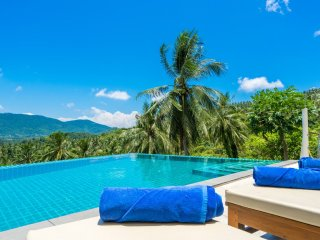 Private Hideaway With 2 Pools – For Large Groups