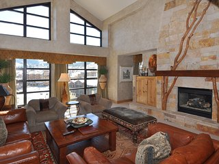 Grand Summit 4Br Penthouse w/ Amazing Views. Ski-in/Ski-Out! ~ RA141155