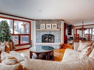 Elk Track townhome 4 bedroom + Den ~ RA134196, Beaver Creek