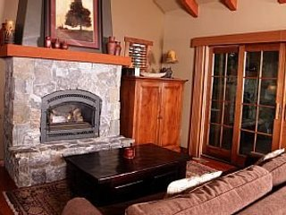 2 Bedroom Cottage is a Cozy Mountain Getaway ~ RA144949