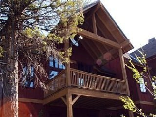 3 Bedroom Townhome is The Perfect Mountain Retreat ~ RA144970