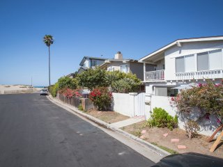 1235 NB 714336- Pierpoint Home Away from Home ~ RA147908, Ventura