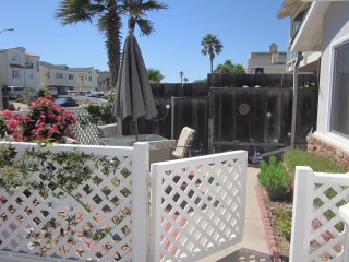 916 O- 76099 Rosebud's Beach Cottage ~ RA147940