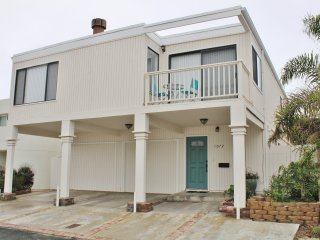 1072 B 906564- Belfast Beach Beauty ~ RA147980, Ventura
