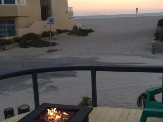 "3500 O-901224  Ocean View Cottage Steps to Sand ""The Lighthouse"" ~ RA147978, Oxnard"