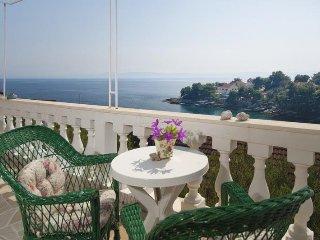 3 bedroom Villa in Sumartin, Splitsko-Dalmatinska Županija, Croatia : ref 550633
