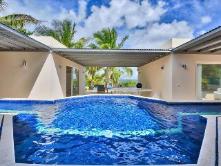 3 bedroom villa with stunning view over the ocean, Terres Basses