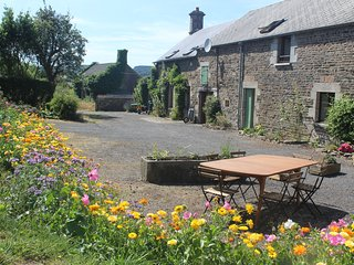 Beautifully converted barn in Normandy, France, sleeps 14 over two floors
