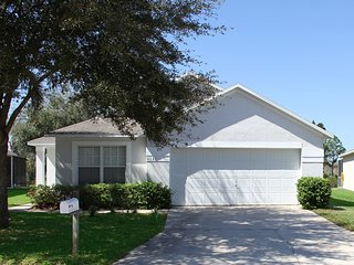 4 Bedroom 3 Bath Pool Home with conservation view near Disney (6597)