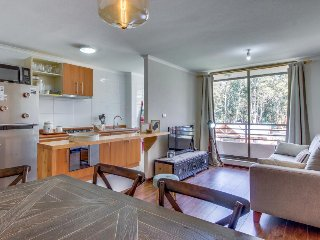 Cozy, modern condo with balcony & mountain view plus shared pool, basketball