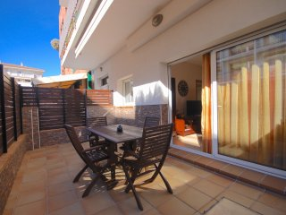 NEAR BEACH APARTMENT with 2 TERRACES in TOSSA