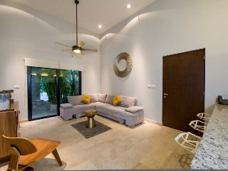 Modern and spacious deluxe 1 bedroom condo in brand new building