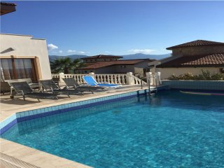 Deluxe Villa with Stunning Panoramic Sea Views and Private Swimming Pool