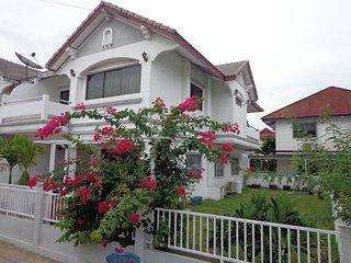 Calv-Inn  189 m2  Villa with large garden