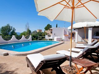 Traditional finca Rota with perfect location 5 mins from Ibiza town