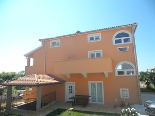 4 star apartment Ravlija
