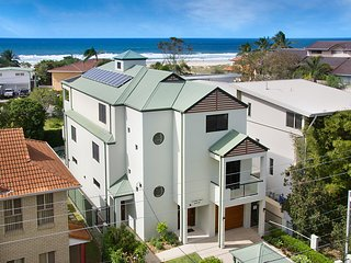 41 Teemangum Street Currumbin - DISCOUNTED TARIFF JUNE & JULY 2017 ENQUIRE NOW
