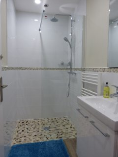 There is a fabulous walk in shower, with hot water 24/7