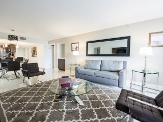 Urban Biscayne Bay 3Bed Condo | Free Parking