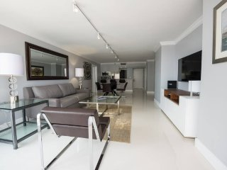 Biscayne Bay 1Bed Condo | Free Parking