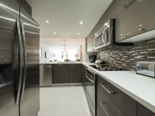 Lovely 1 Bed Condo | Free Parking