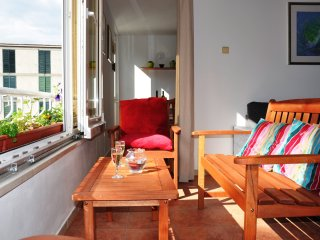 Apartment Magnolia - Two Bedroom Apartment with Loggia and Garden View