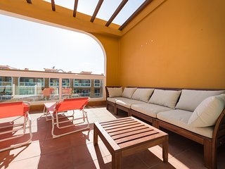 Top beach apt/terrace/Pool/wifi 50 mt to beach