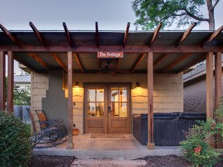 Wine country home w/ a private hot tub, a fireplace, & more!