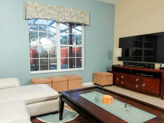 Sweet Townhouse with 4 bedrooms by: VIPORLANDO