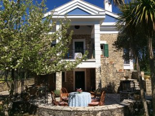 Historic Mansion for 6-10 in a beautiful Village, Lefkada island