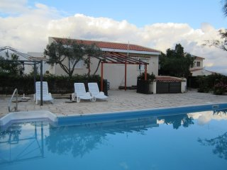 Pissouri lovely Villa with swimming pool and sea views. 10 minute walk to vilage